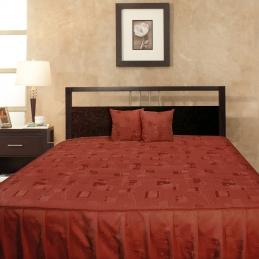 Cuvertura de pat cu baza matlasata si volane SPIC