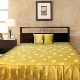 Cuvertura de pat cu baza matlasata si volane PATRATE