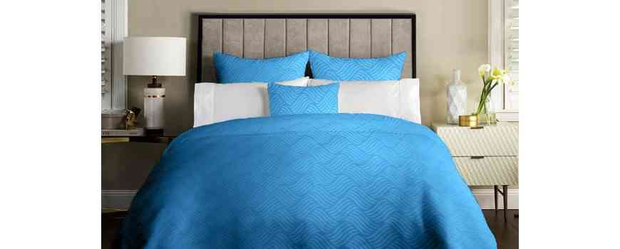 Cuverturi de pat din ţesătură Piques in culori pastelate
